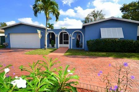 Top 20 cooper city vacation rentals vacation homes for Cooper rentals