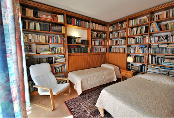 Library, twin bedroom