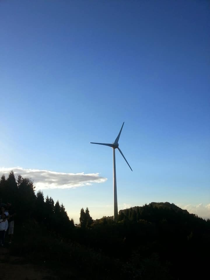 CR 100% renewable energy sourced country
