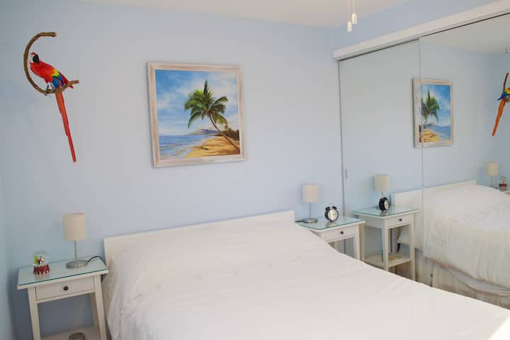 The Hawaii room, private room in family home
