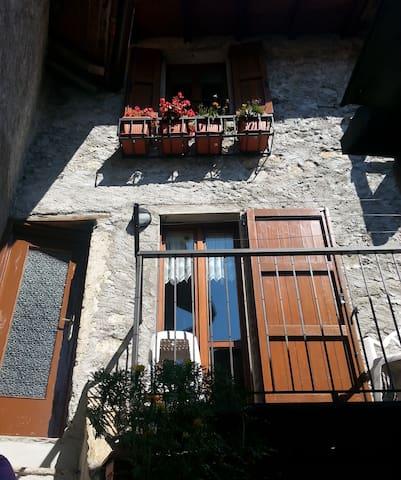 Cozy Apartment in Breglia - Breglia - Apartamento