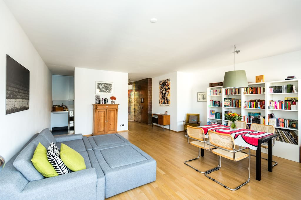 sonnige penthouse wohnung in k ln wohnungen zur miete in k ln nordrhein westfalen deutschland. Black Bedroom Furniture Sets. Home Design Ideas