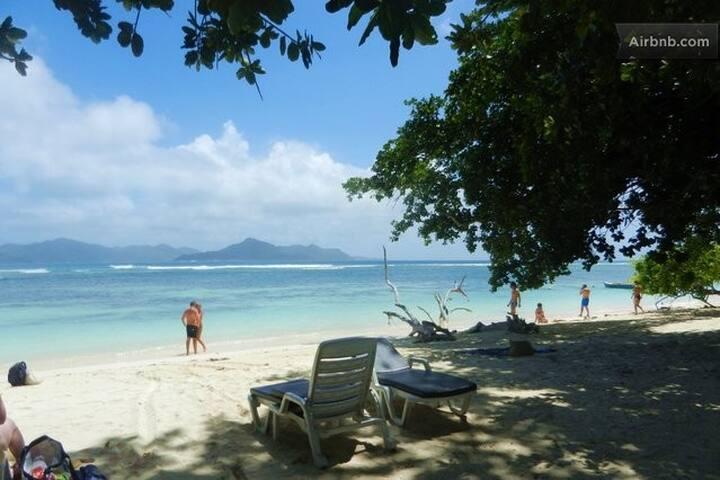 2 BR cottage close to the beach! - Anse La Reunion - Talo