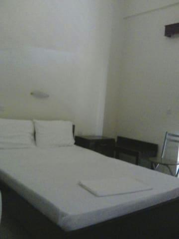 Nice Rooms In The Centre Of Zacharo