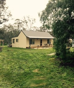 Charming  2 bedroom cottage - Avoca