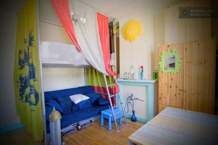 Long term - Bright room bed + Sofa + BIKE