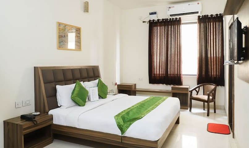 Luxury Rooms At Mathura Vrindavan