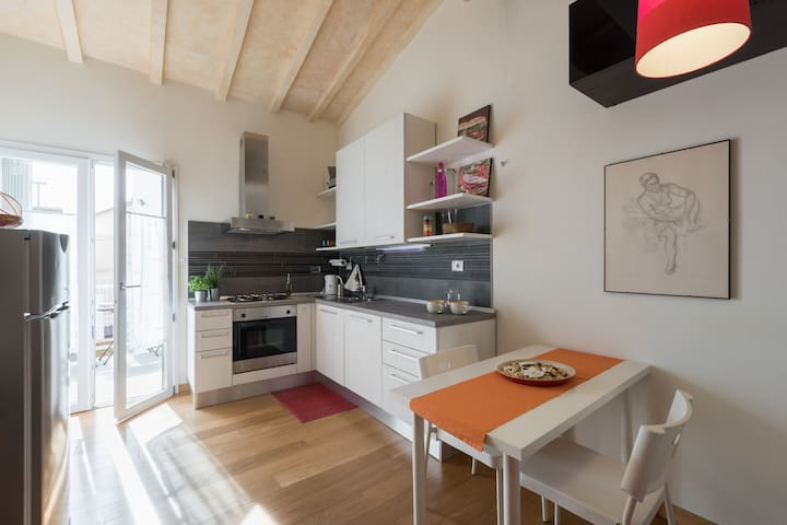 Cosy with balcony easy parking - Florence - Appartement