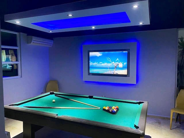 Guaynabo, Private pool, billiard 🎱room, jacuzzi.