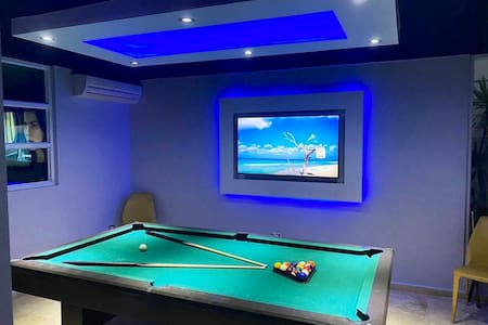 Guaynabo, Private pool, billiard 🎱room, jacuzzi.