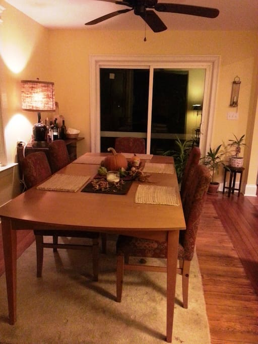 Dining room, perfect for  your office away from home, Wifi acccess