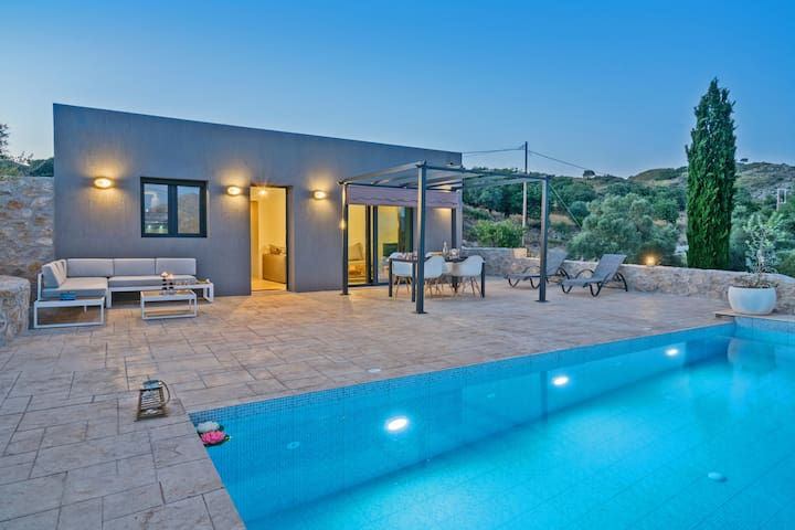 Mountain view,35m2 pool, children pool