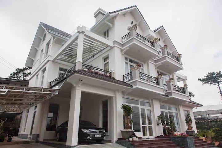 New,luxury Villa in center Dalat @LIÊN HƯƠNG VILLA