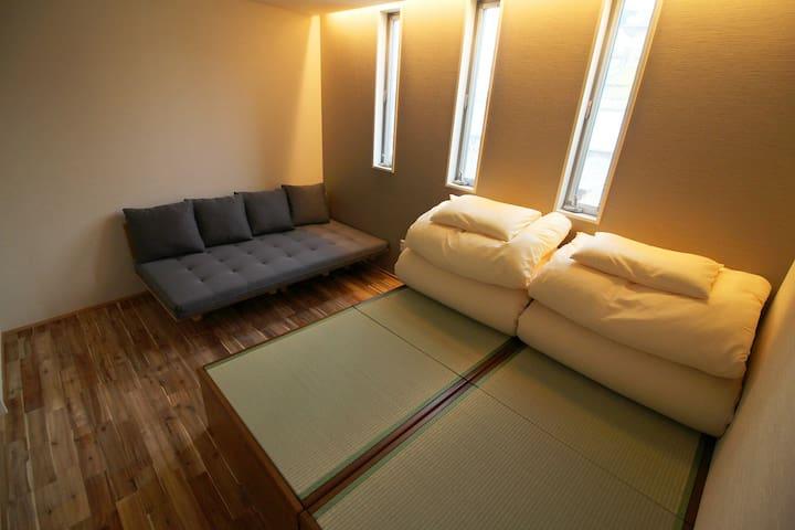 CocoConne Fukuoka Nishijin Twin Room 101