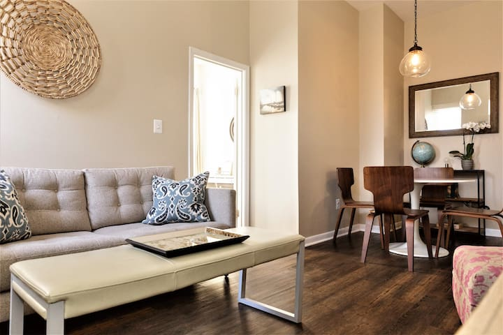 Stylish Flat in Historic Fell's Point with Parking - Baltimore - Lyxvåning