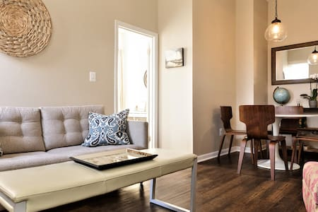 Stylish Flat in Historic Fell's Point w/ Parking!