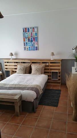 Chambre hote à la campagne - Saint-Avit-Saint-Nazaire - Oda + Kahvaltı