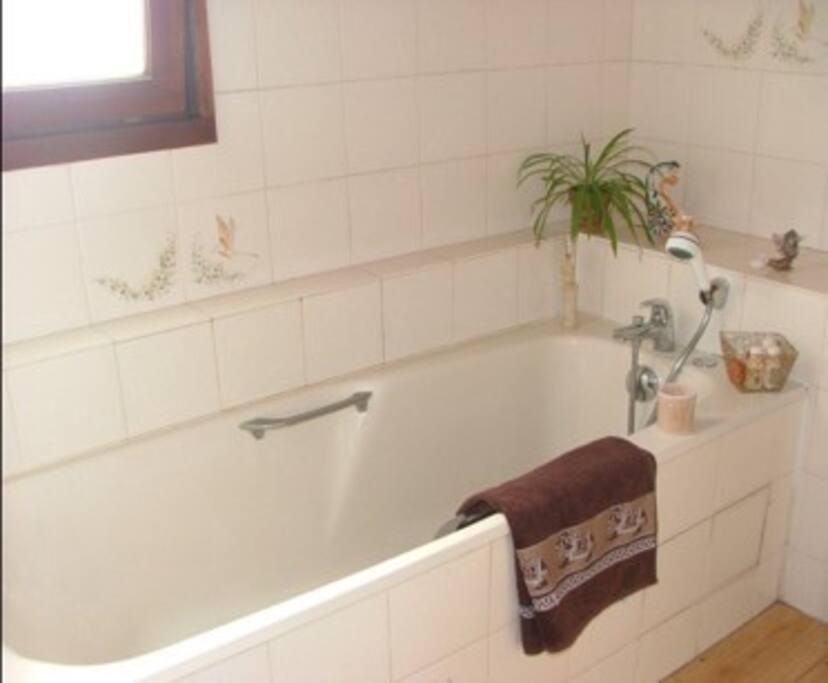 SdB avec baignoire