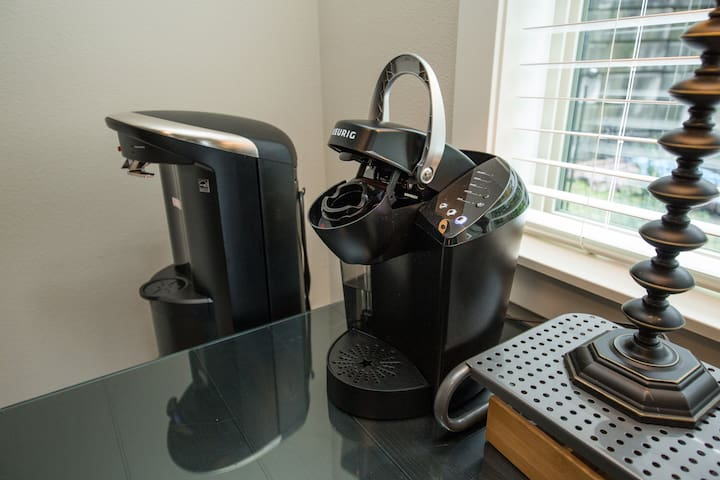 Keurig, well stocked Coffee, hot chocolate, tea and cold/hot filtered water dispenser
