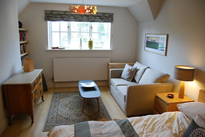 self-contained double apartment - Sutton Courtenay - House