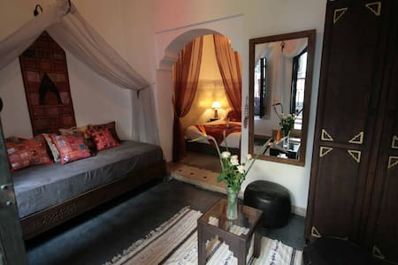 Room for 3 in a riad