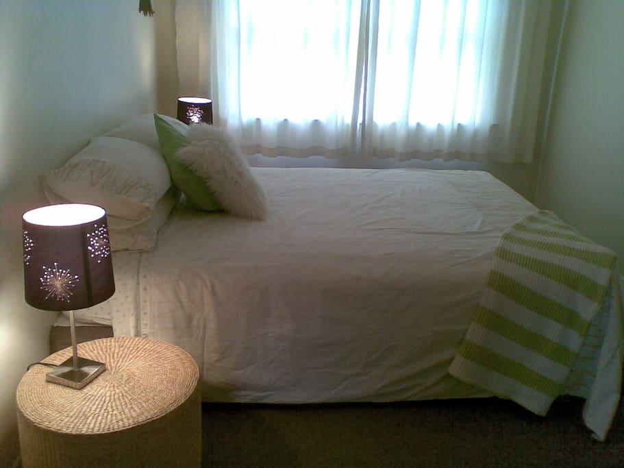 Pleasant relaxing bedroom.