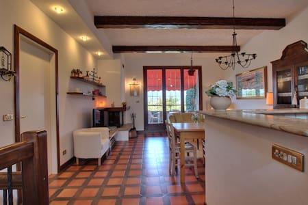 Graziosa villa LagoVarese/Maggiore  - Varese - House