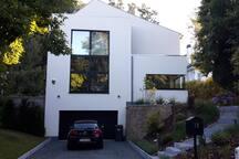 Villa contemporaine -min 2 mois