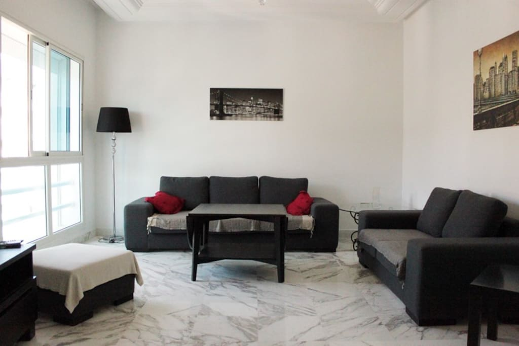 Appartement luxuesement meubl 80m2 flats for rent in la for Meuble 5 etoile soukra