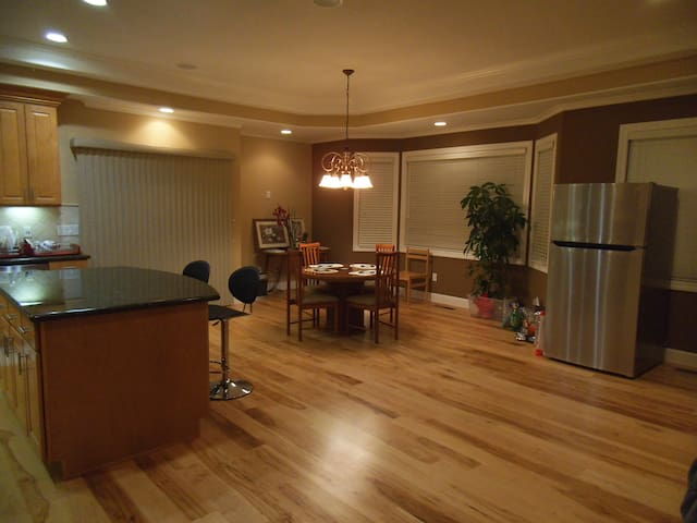 ExecutiveRoom#1 in New Luxury House