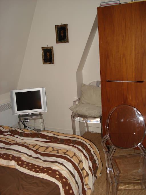 studio calme a louer appartements louer paris le de france france. Black Bedroom Furniture Sets. Home Design Ideas