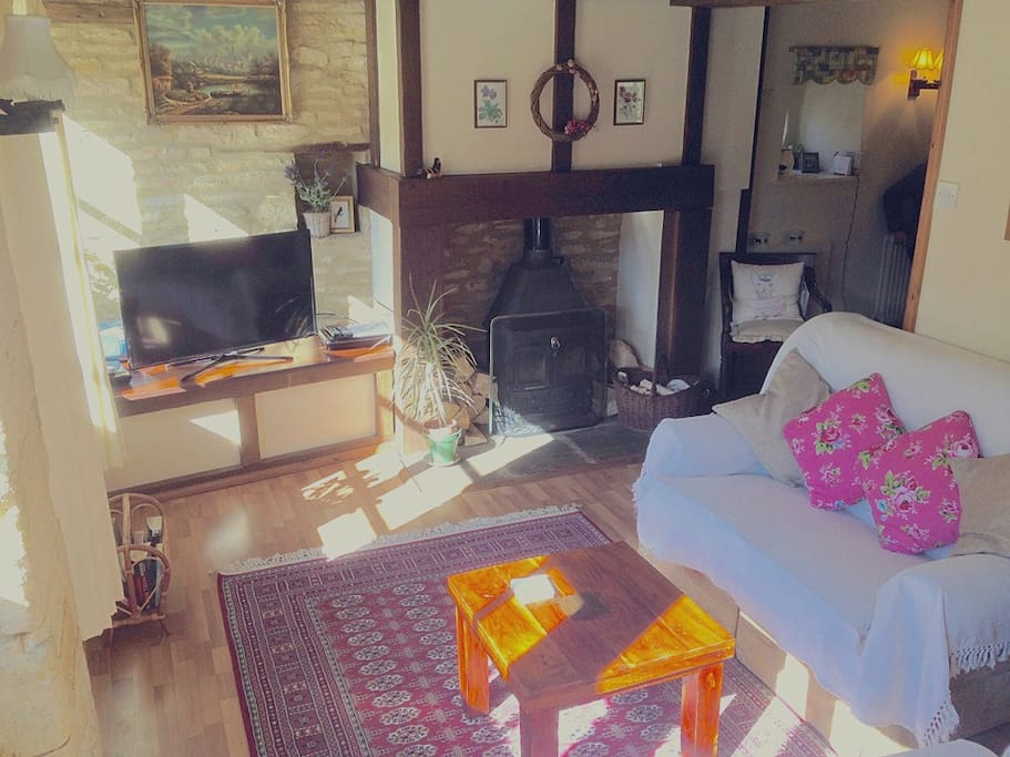 Sunny and cosy sitting room