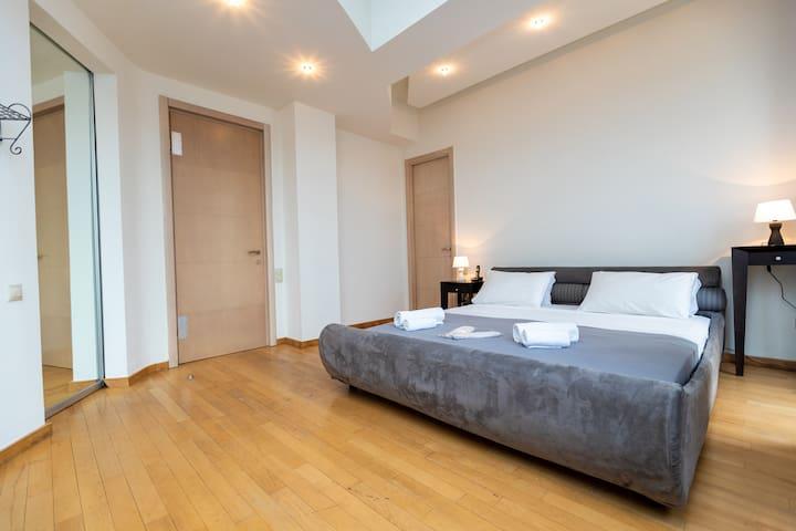 Comfy spacious bedroom