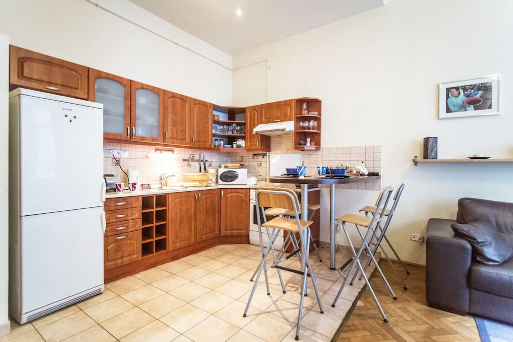 The kitchen, fully equipped, you will really feel yourself at home at this spot of the flat. :D