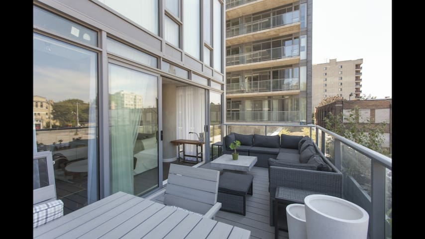Covid-19 Safe Getaway with 2 large terraces