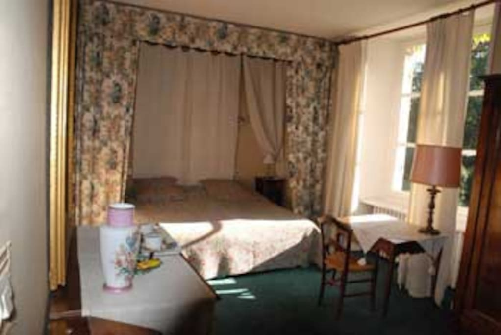 """La chambre de """"Carol""""vue parc"""