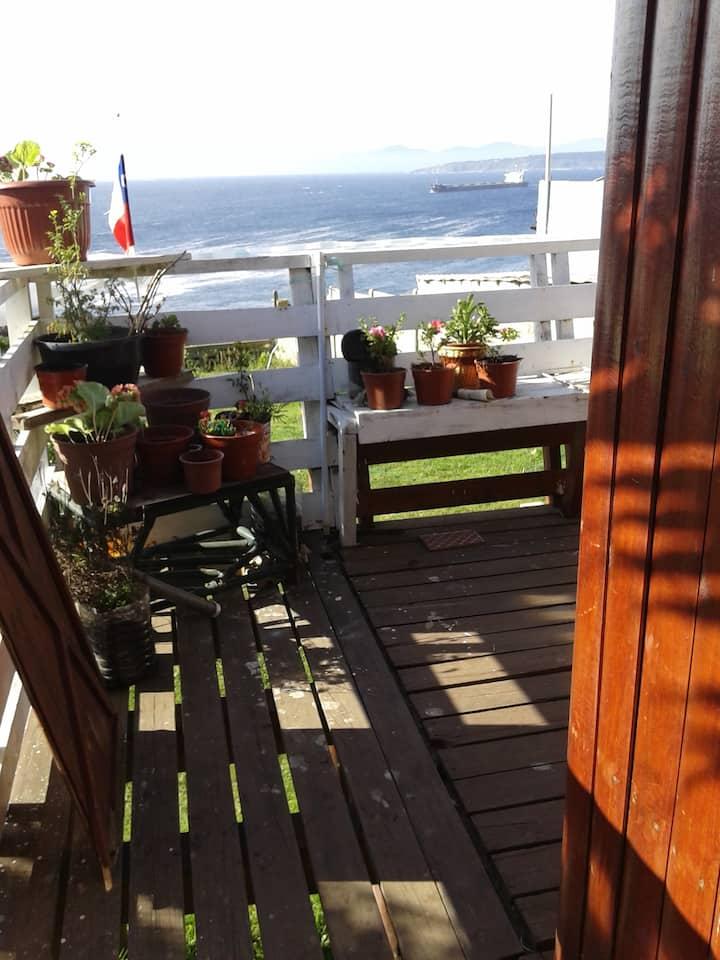 Linda cabaña frente al mar en quintero.