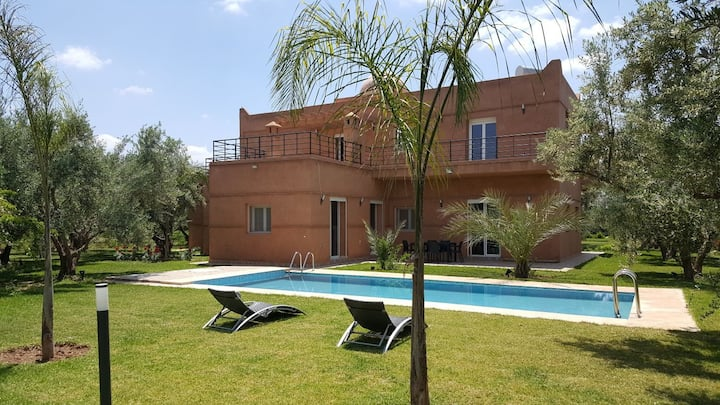 Luxueuse villa moderne à Marrakech avec piscine