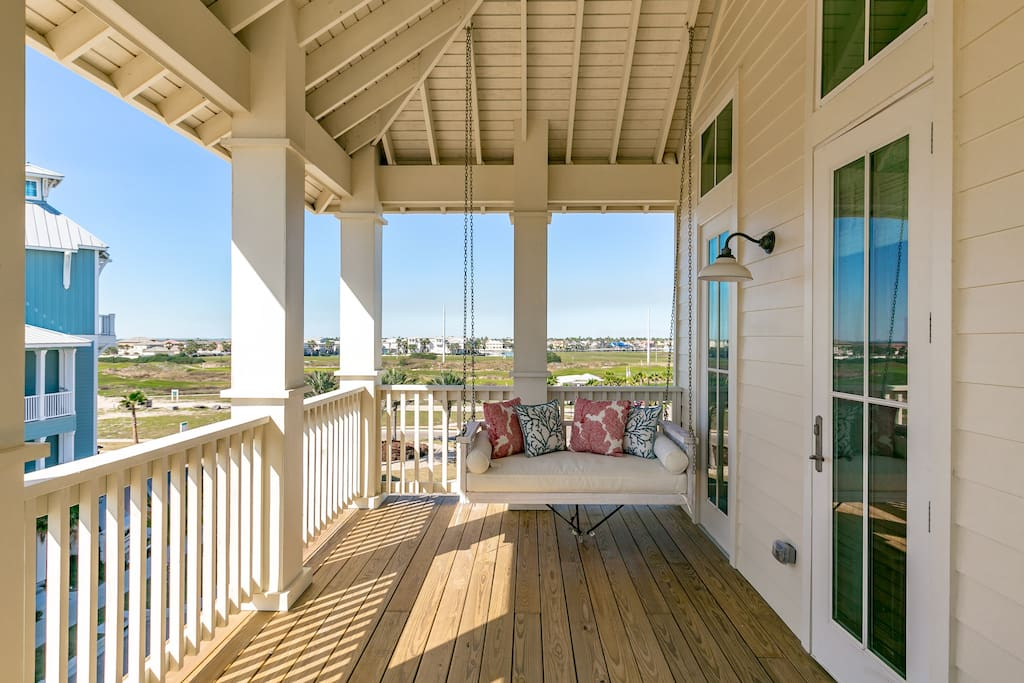 Take in views of the gulf from the multiple decks, and find the beach a short trip down the boardwalk