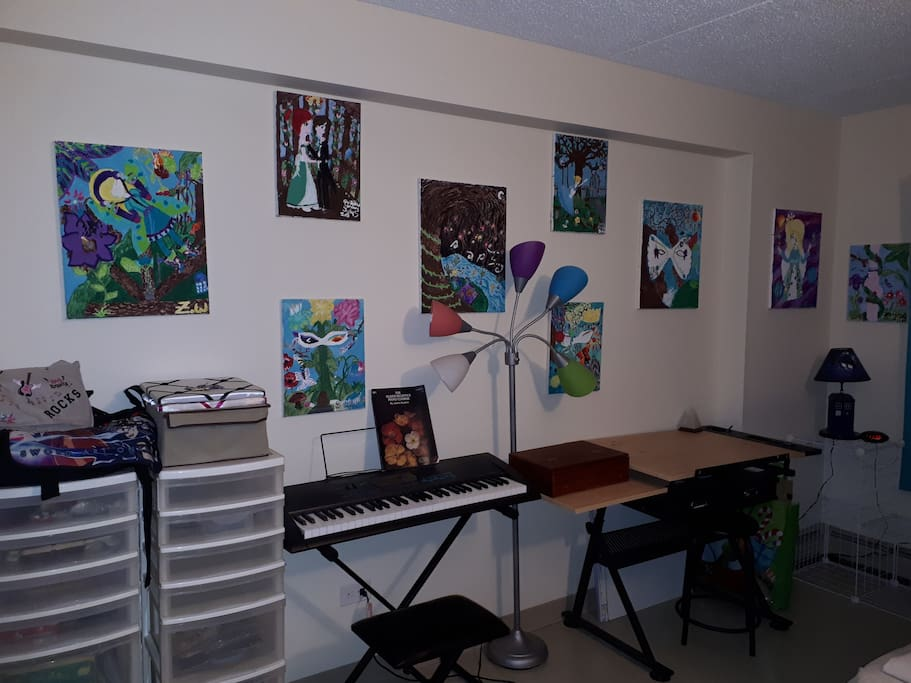 - Artwork done by my oldest daughter in 2015, prior to parental alienation. - Keyboard with beginner instructional books available for use. - Desk has easel top.