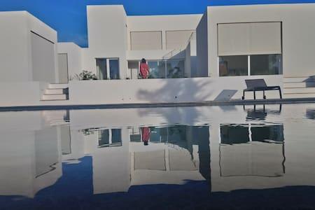 Contemporary style meets traditional Algarve (3)