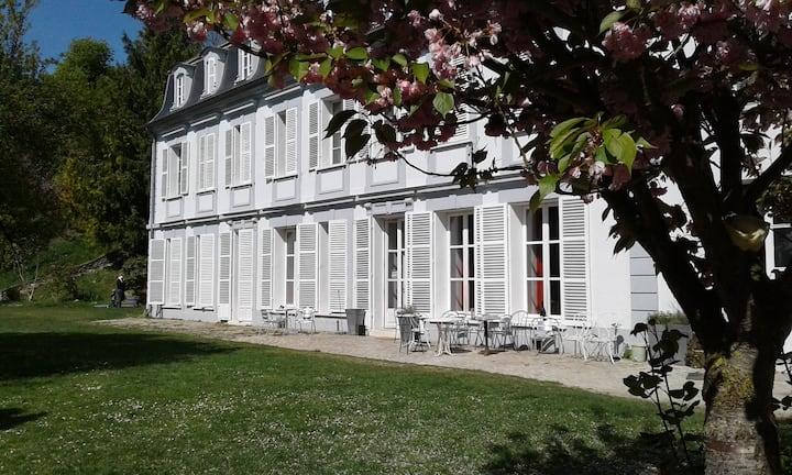 Grande Chambre 24 Château de Tavers bord de Seine