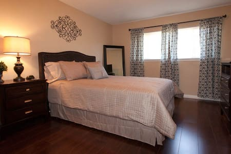 2BD Augusta Townhome is great alternative to hotel - Augusta - 公寓