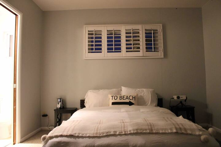 Queen bedroom in beach house, with private bath.