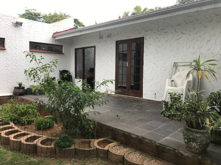 Umhlanga self catering unit with green belt views