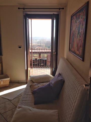 Stanza in cascina indipendente - Cuneo - House