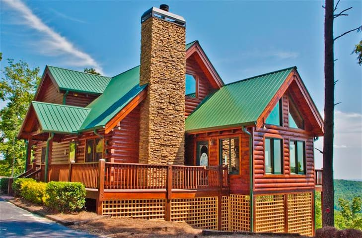 Superb 3BR Dahlonega Cabin w/Deck - Dahlonega - Cabana