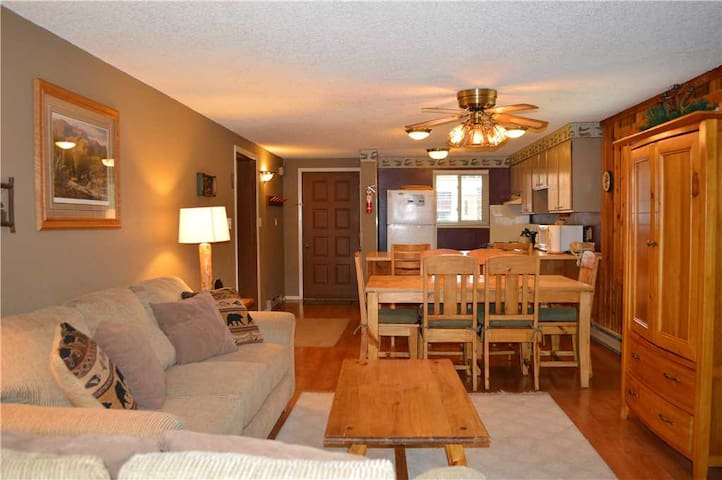 Beaver Village 521 - Mountain themed 2 bedroom with personal touches for a homey feel by StayWP