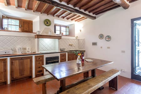 Villa Le Miccine with Pool for 2 - Gaiole In Chianti