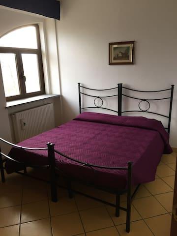 AFFITTO BILOCALE IN STABILE D'EPOCA - Racconigi - Apartament